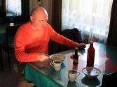 Śniadanko w hotelu, Krzysio je oczywiście zupkę z naszego barana, miejscowość Omnodelger