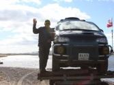 Batar - kierowca Hyundai'a szczęśliwy, bo obyło się bez zimnej kąpieli