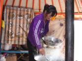 Na pierwszym biwaku kupiliśmy od razu barana, a świerzutkie gotowane podroby nawet nie były takie strasznie. Okolice rzeki Herlen