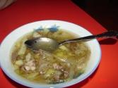 Całkiem niezła mongolska zupa, podobna w smaku do naszej cebulowej (tylko oczywiście więcej mięsa)