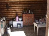 Wnętrze chaty pasterskiej nad rzeką Balcz. Mongolia, Chentej 2010